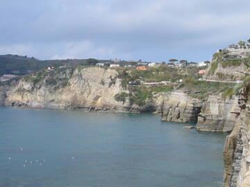 Ischia, auch bekannt für seine Thermalquellen
