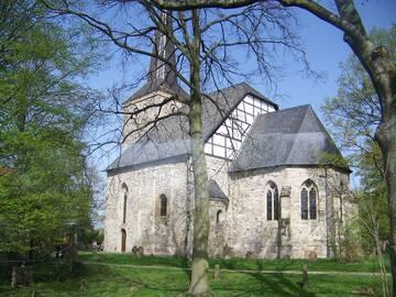 den Abschluss der Stadtrundfahrt und unserer Reise bildete die schöne Dorfkirche in Bochum-Stiepel
